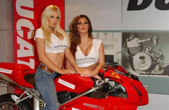 Dziewczyny Ducati 32