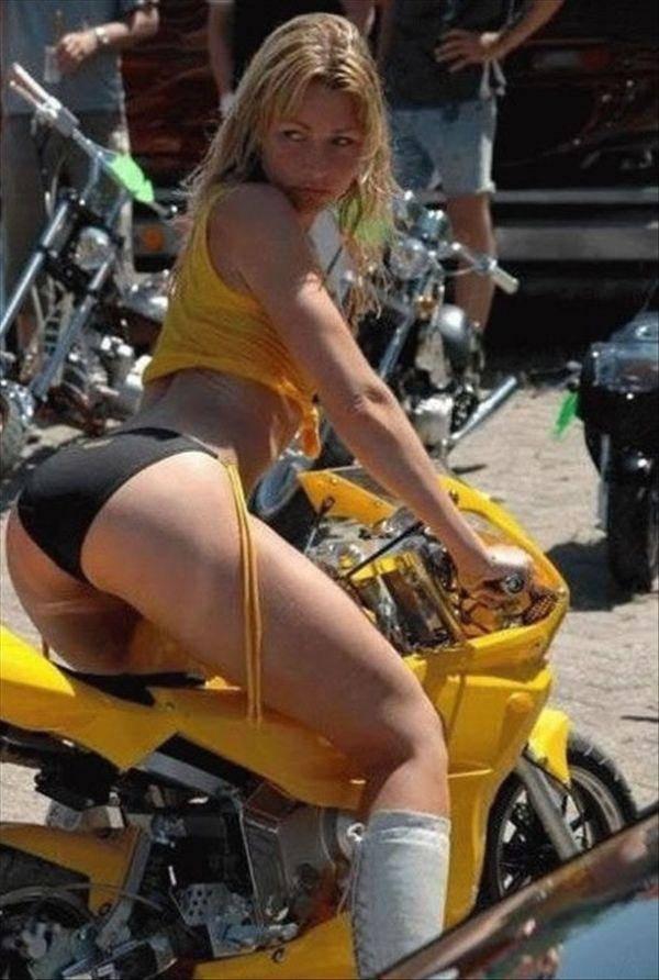 Dziewczyny i motocykle 18