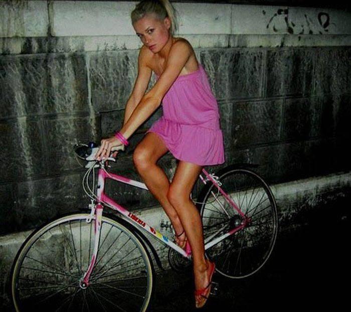 Dziewczyny na rowerach 6