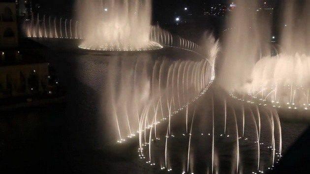 Dubai Fountain 15