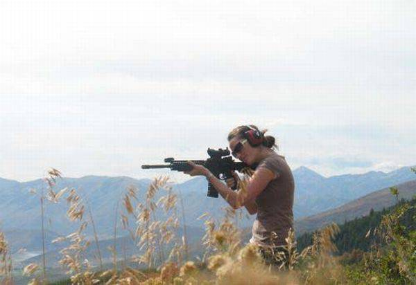 Uzbrojone dziewczyny #2 25