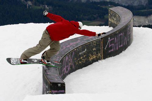 Snowboarding 16