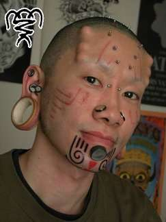 Body Modifications: implanty 11
