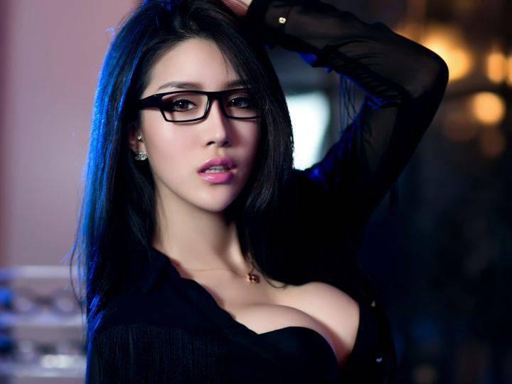 Фото азиатка