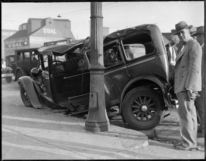 Wypadki samochodów w latach 30. 11