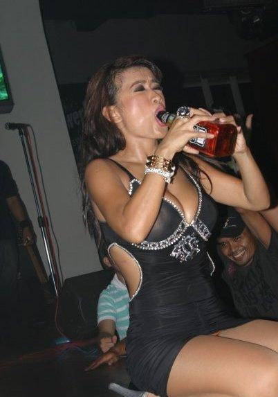 Hot Goyang Panggung Julia Perez [ www.BlogApaAja.com ]