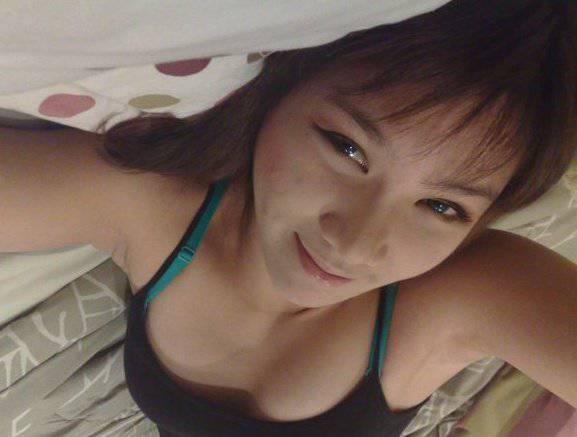 Selfie ABG Amoy Pake Baju Seksi.