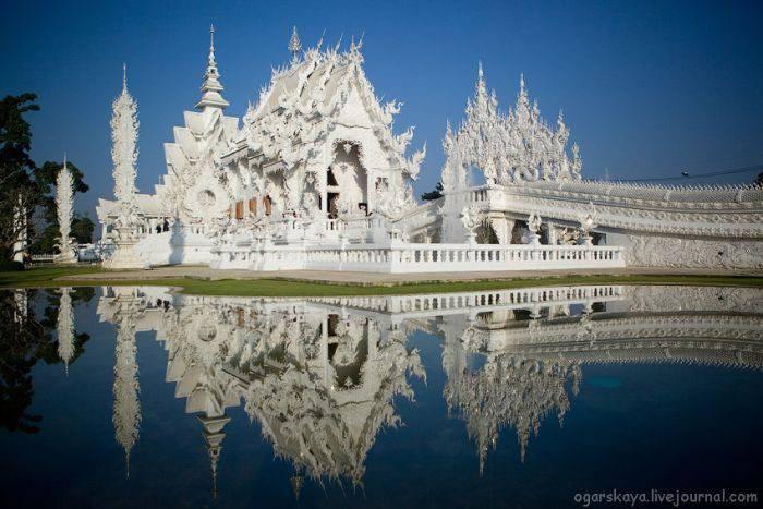 Biała świątynia Wat Rong Khun 21