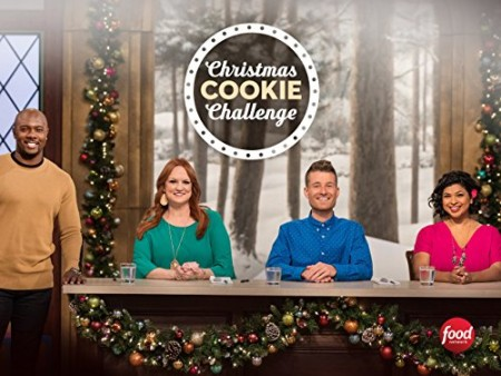 Christmas Cookie Challenge S02E06 Mr and Mrs Claus 720p WEBRip x264-CAFFEiNE
