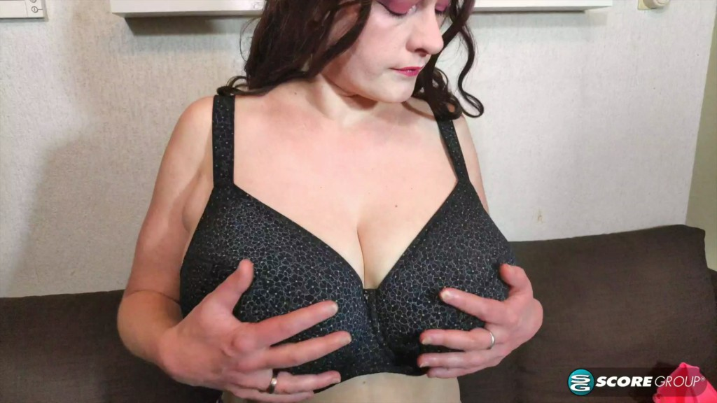PornMegaLoad 20 05 28 Cleo Big Boobs Bra Testing XXX 1080p MP4-KTR
